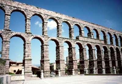 Римский акведук в Испании