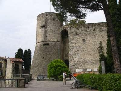 Крепость Рокка
