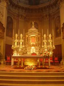 Алтарь приходской церкви Сериате