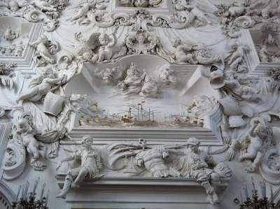 Ораторий дель ди Санта Сита. Скульптура Битва при Лепанто