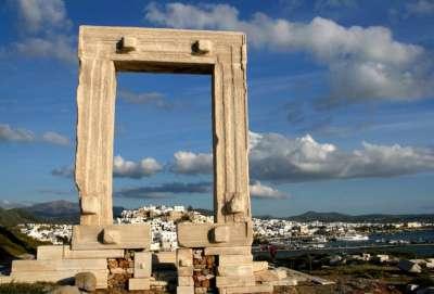 врата в Храм Апполона