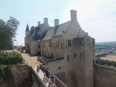 Экскурсии по замку Шинон
