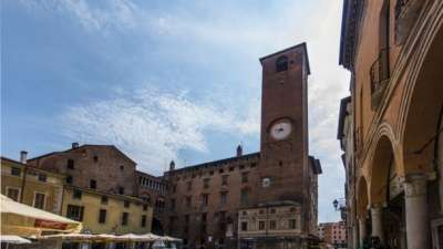 Исторические памятники Ломбардии. Дворец Разума (Palazzo della Ragione)