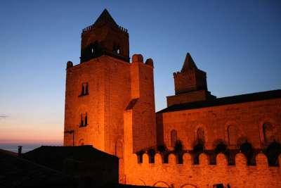 Кафедральный собор ночью