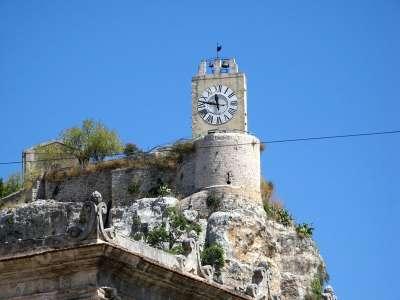 Полигонная башня