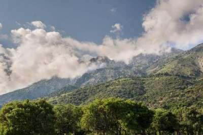 Гора Фенгари