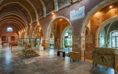 Архиологический музей Корфу внутри
