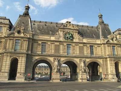 Ворота в Лувр