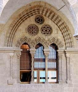 Окна дворца