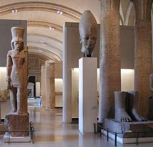 Экспонаты из Древнего Египта