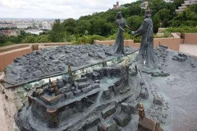 «Буда встречает Пешт», или «Рождение Будапешта»