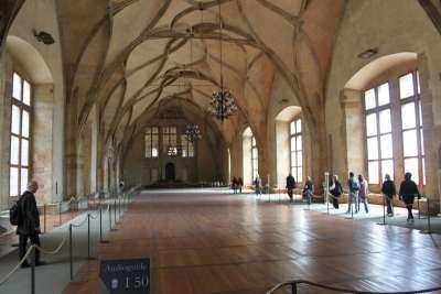 Владиславский тронный зал