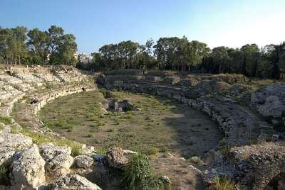 Сицилия. Римский амфитеатр в Сиракузах