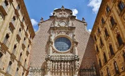 Фасад Собора в монастыре