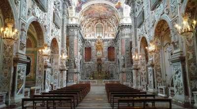 Церковь Санта Катерина внутри