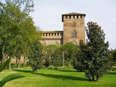 Замок Висконти. Павия