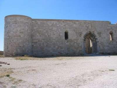 Замок Мониасе