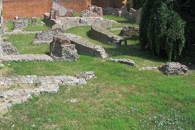 Руины Императорского дворца в Милане