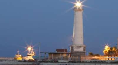 Маяк в порту Ликаты