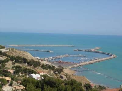 Порт Ликаты