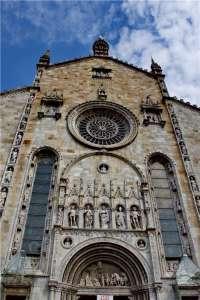 Фасад Кафедрального собора в Комо