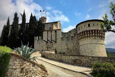 Замок Брешии