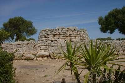 Остатки поселения эпохи талайотов