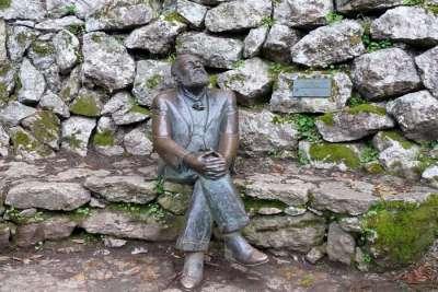 Памятник Гауди в Эль Каприччо