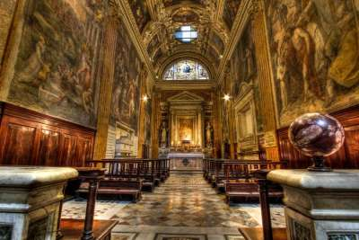 Базилика Санта-Мария-дель-Пополо внутри