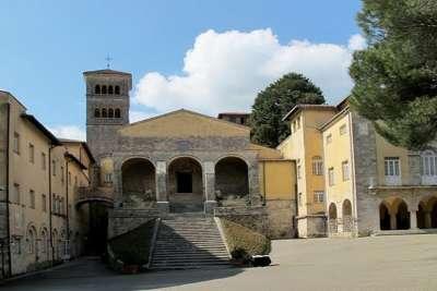 Средневековые постройки