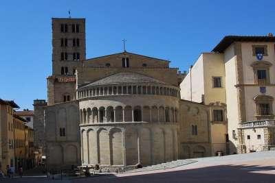 Церковь Санта-Мария делла Пьеве