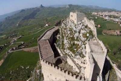 Вид на башни замка
