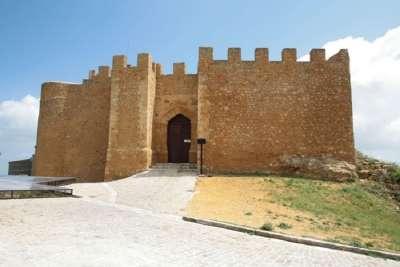 Вход в замок Кьярамонте