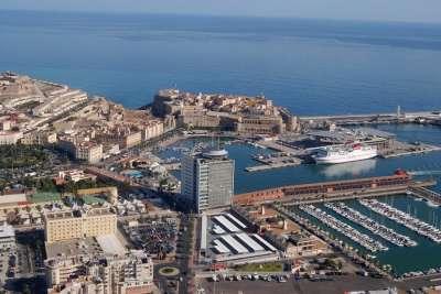 Вид на порт города