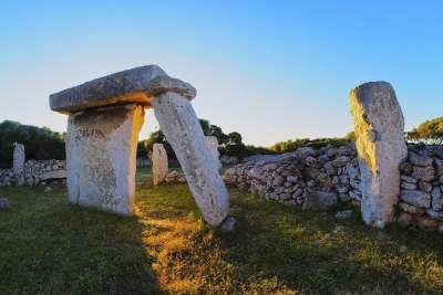 Исторические памятники Менорки