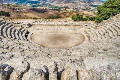 Амфитеатр в Седжесте