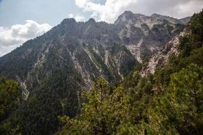 Гора Хелмос