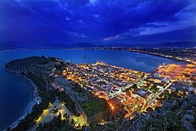 Город Нафплион ночью