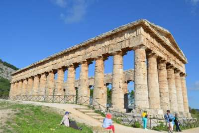 Храм в Седжесте
