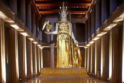 Макет статуи Афины в Парфеноне