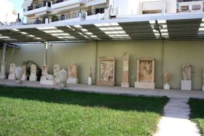 Пирейский Археологический музей. Экспозиция под открытым небом.