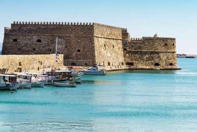 Порт и крепость