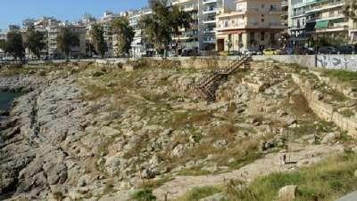 Руины древних стен Пирея
