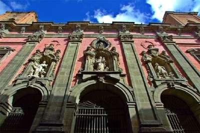 Фасад Церкви Сан-Кайетано