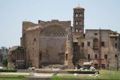 Храм Венеры и Рома