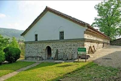 Церковь Св. Николая в городе Елена