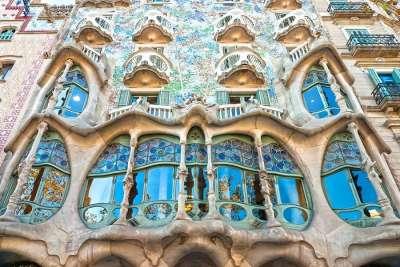 Окна и балкон дома
