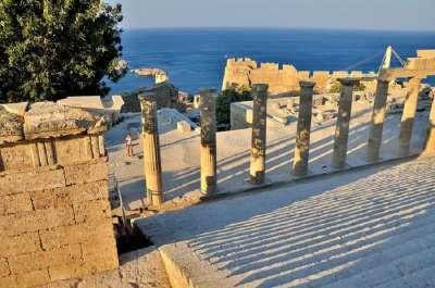 Раскопки античного храма Афины