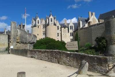 Замок Монтрей-Белле