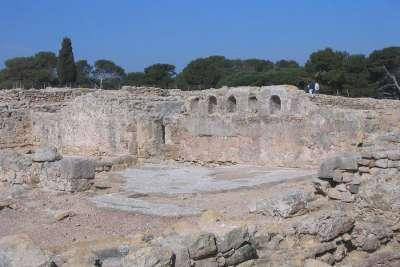Раскопки Эмпория